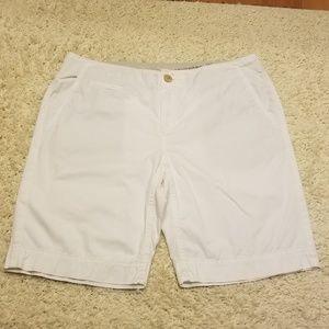 Banana Republic White Shorts SZ 10